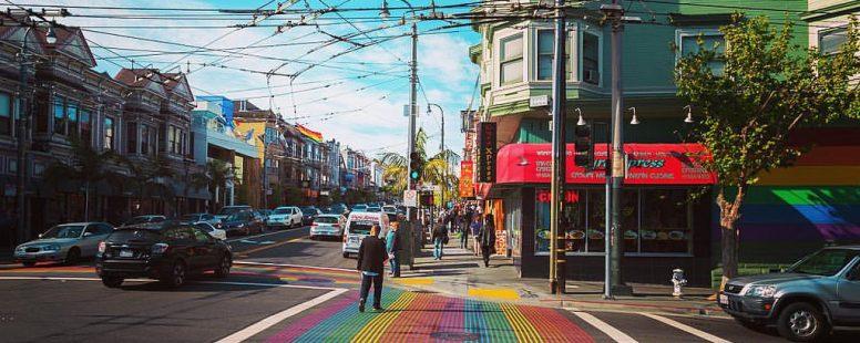 Regenboogzebrapaden meer in het straatbeeld